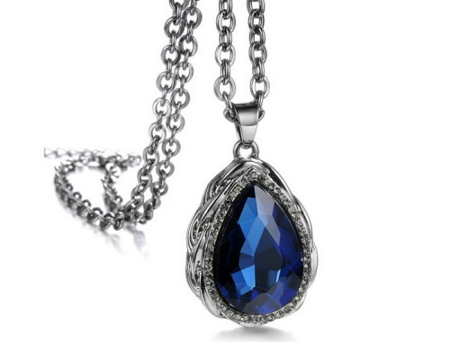 Женская подвеска с большим синим камнем