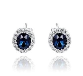Белые серьги с синим камнем