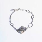 Женский браслет с эмалью