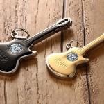 парные кулоны гитары
