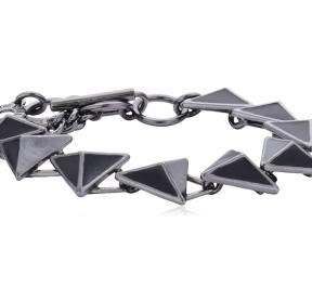 гематитовый браслет PILGRIM с треугольниками