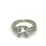женское кольцо со Swarovski