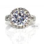 женское кольцо с большим кристаллом