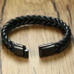 чёрный мужской браслет