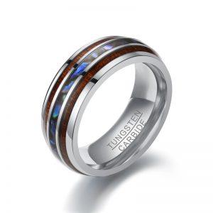 Стальное кольцо с деревом