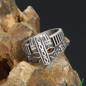 Стальное кольцо со шлемом викинга