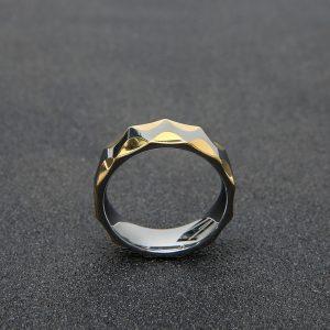 Кольцо из карбида вольфрама с частичной позолотой