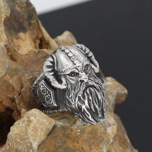 Кольцо с викингом